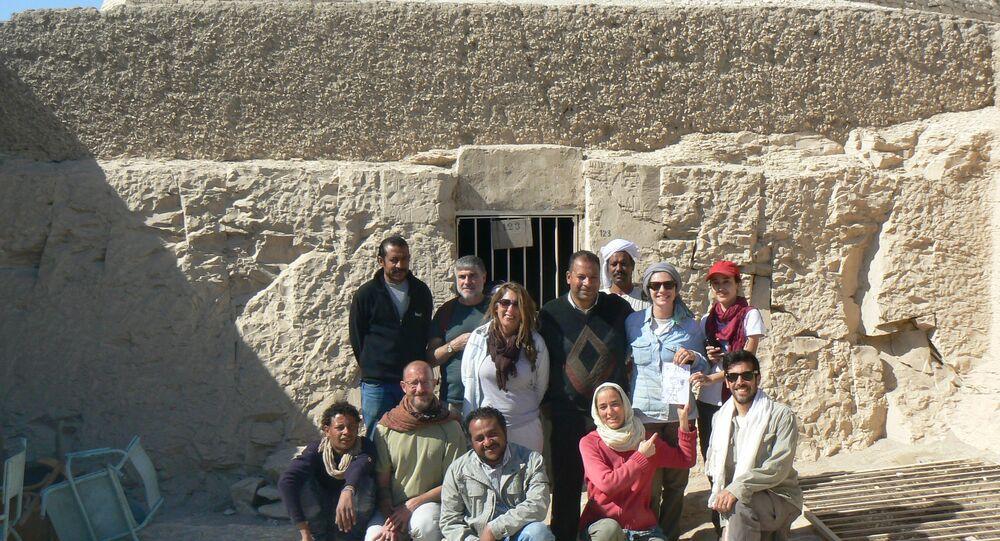 Equipe responsável pelas escavações no Egito.