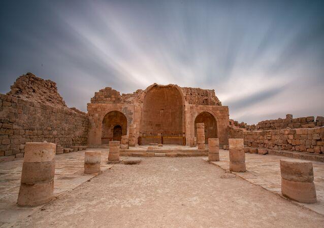 Ruínas da igreja antiga na aldeia bizantina de Shivta, em Israel