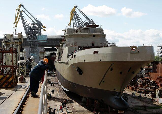 O navio de desembarque de classe Ivan Gren