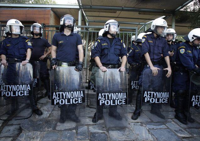 Polícia de Atenas durante um protesto na capital grega (arquivo)