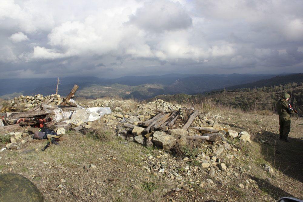 Posições de onde os militantes fizeram fogo contra os militares russos na Síria em novembro de 2015, causando a morte do piloto russo do caça-bombardeiro Su-24M Oleg Peshkov e fuzileiro naval Aleksandr Pozynich