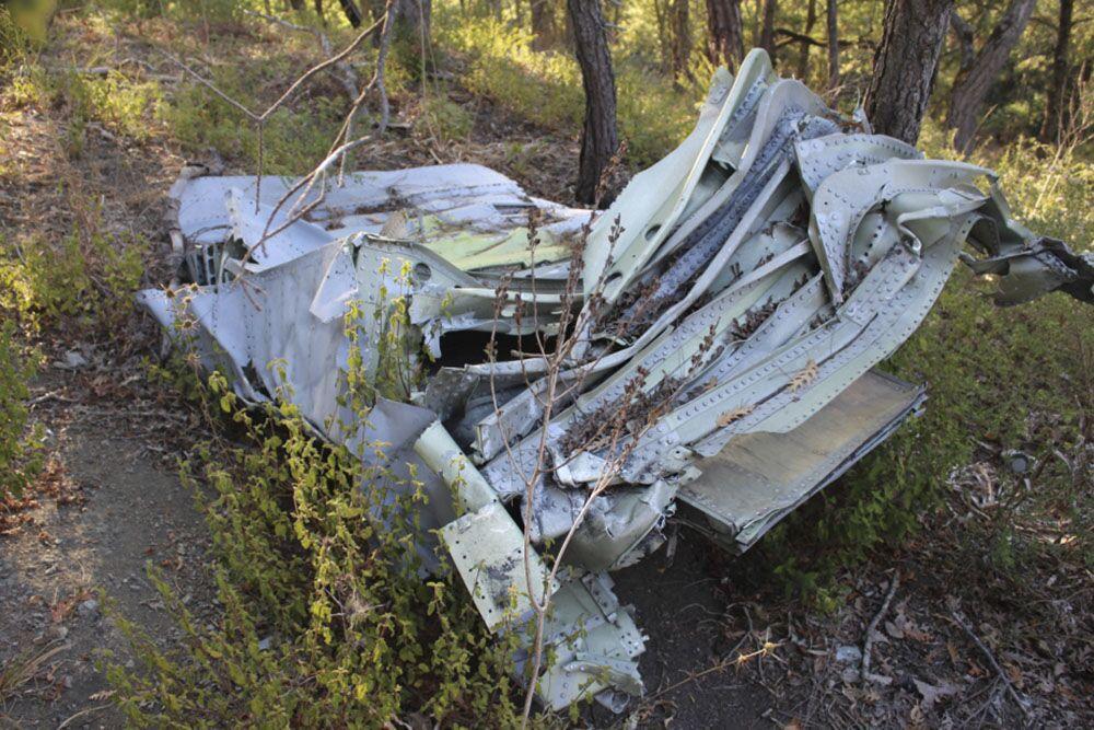 Restos do avião russo Su-24M derrubado na Síria em 2015 por um caça turco