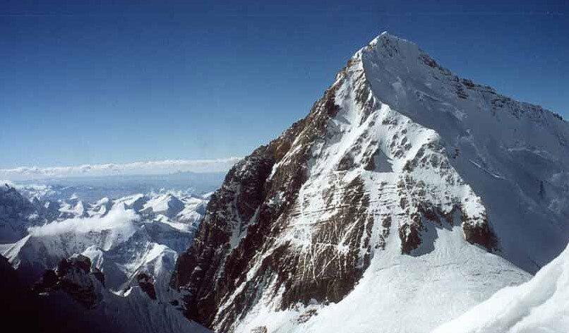 O monte Everest (foto de arquivo)