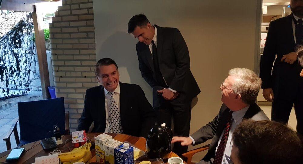 Jair Bolsonaro recebeu John Bolton com um café da manhã em sua casa, no Rio