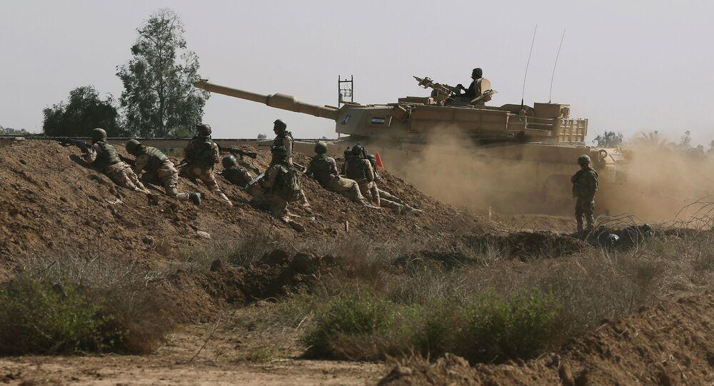 Forças armadas dos EUA participam de treinamento no Iraque