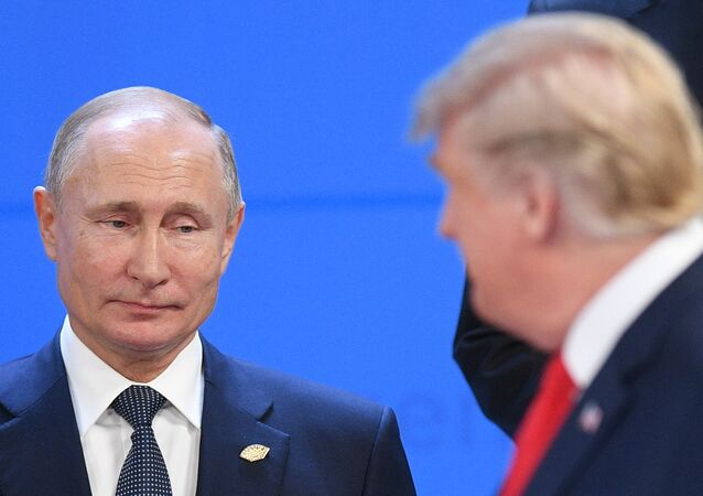 Russian President Vladimir Putin and US President Donald Trump before a photo op of the G20 heads, November 30, 2018.
