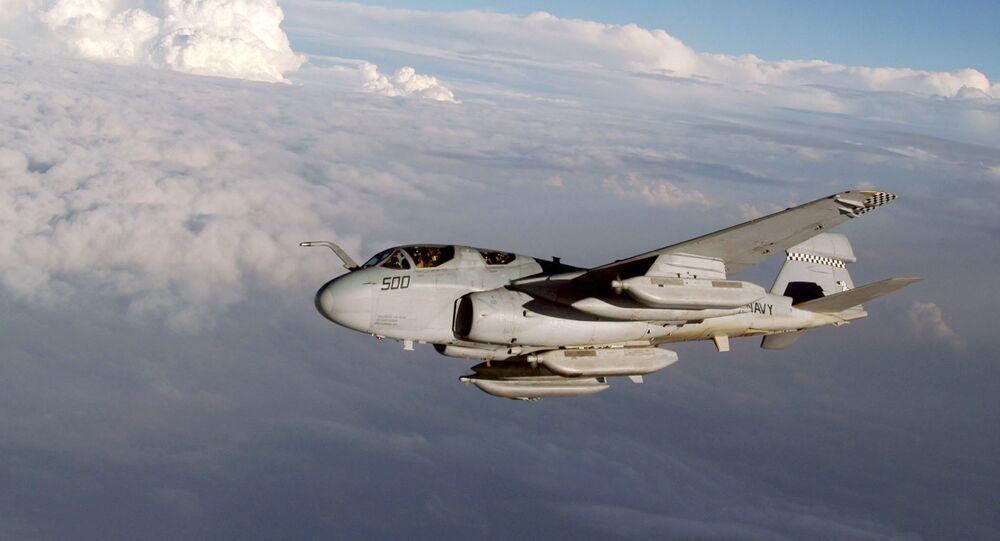 Avião de guerra eletrônica EA-6B da Marinha dos EUA