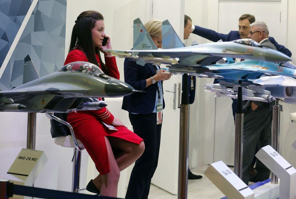 Estande russo na Feira Internacional de Defesa EDEX 2018 no Egito