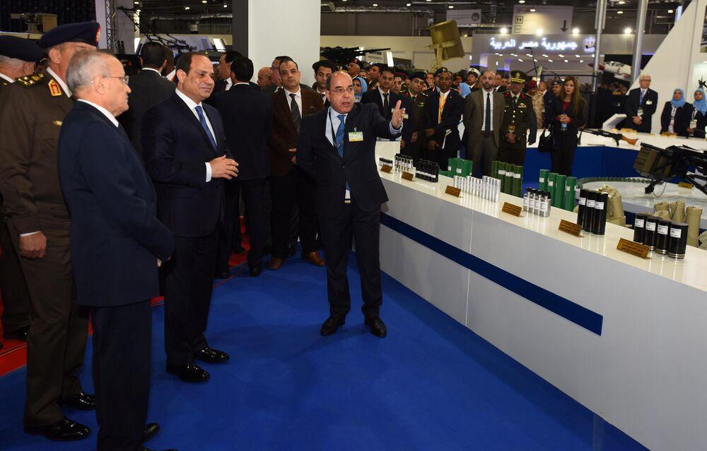 Presidente do Egito, Abdul Fatah Khalil Al-Sisi, na Feira Internacional de Defesa EDEX 2018 no Egito