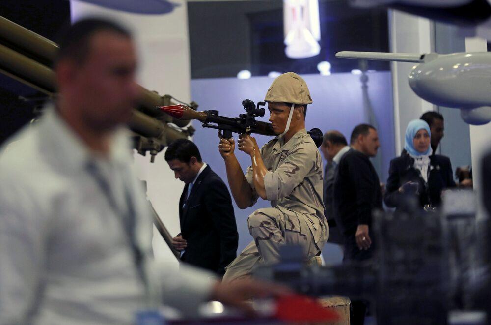 Feira Internacional de Defesa EDEX 2018 no Egito