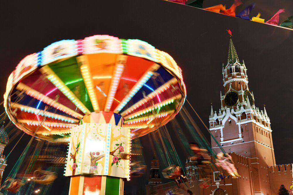 Carrossel na Praça Vermelha em Moscou