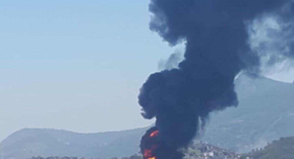 Incêndio de grandes proporções atinge a Refinaria de Manguinhos