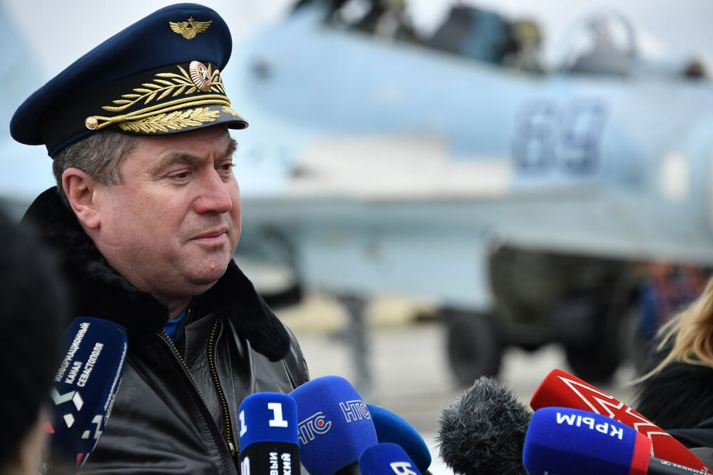 Comandante do 4º Exército da Força Aérea e Defesa Aérea, tenente-general Viktor Sevostyanov