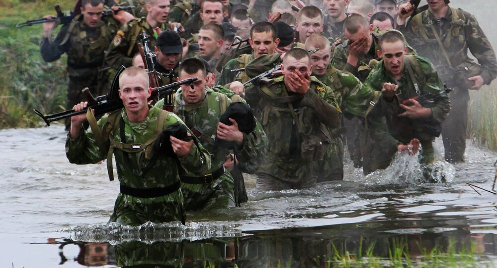 Curso de operações especiais para soldados da Bielorrússia, em centro de treinamento nos arredores de Minsk