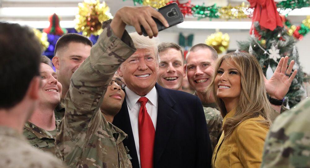 Presidente dos EUA Donald Trump e sua esposa Melania Trump visitam base militar norte-americana no Iraque