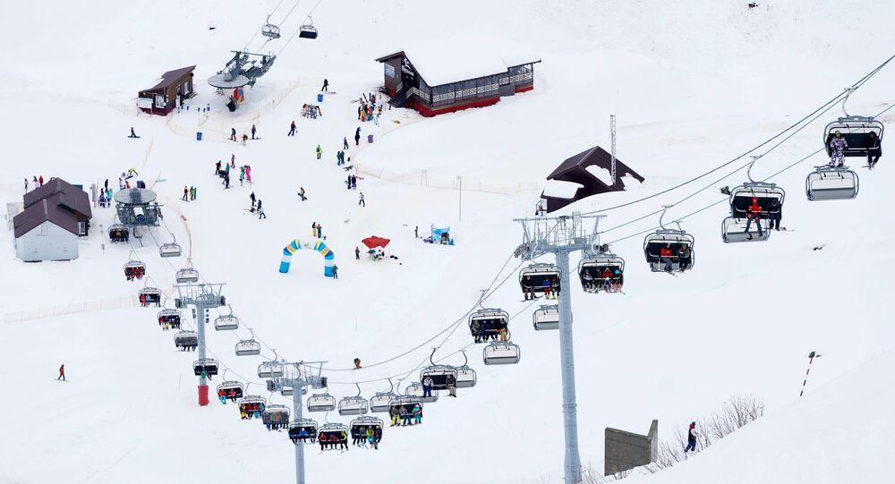 Abertura da temporada de esqui e snowboard na estação Gorky Gorod, em Sochi, localizada a uma altura de 2.000 metros acima do nível do mar