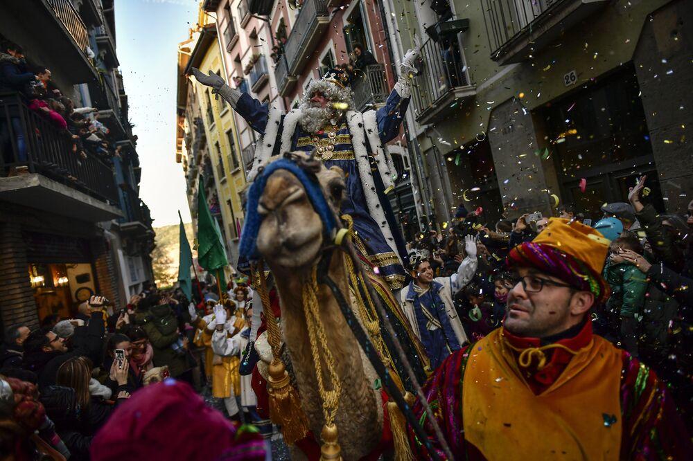 A Cavalgada dos Reis Magos no município de Pamplona, na Espanha