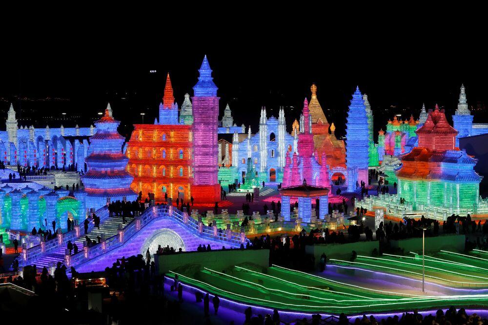 Festival de esculturas de gelo na cidade de Harbin, China