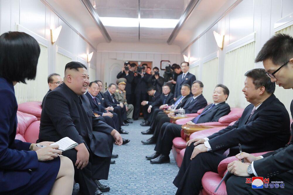 Líder norte-coreano, Kim Jong-un, durante visita a Pequim, na China