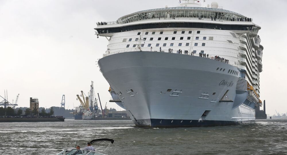 Navio de cruzeiro Oasis of the Seas (imagem referencial)