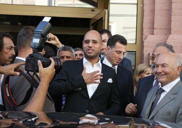 Saif al-Islam Gaddafi visita a exposição Desert is Not Silent com arte antiga e contemporânea da Líbia (foto de arquivo)
