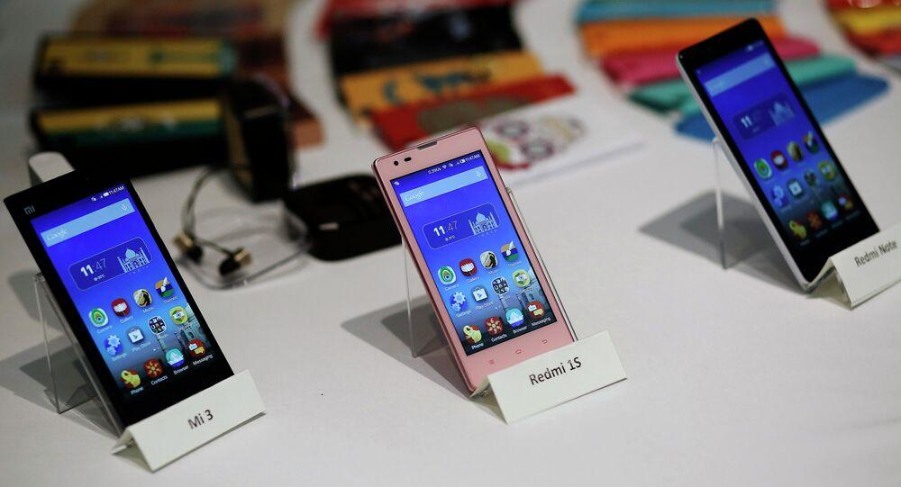 Telefones da Xiaomi em feira na Índia