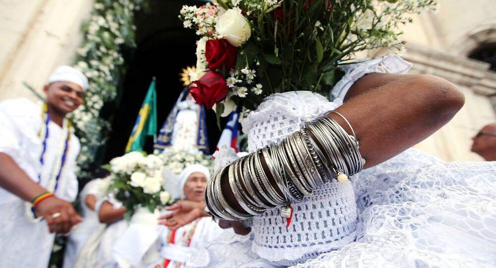 Religiosos comemoram tradicional Lavagem do Bonfim em Salvador, Bahia.