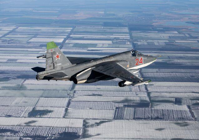 Avião de ataque Su-25SM3, durante manobras táticas de voo no território de Krasnodar, sul da Rússia