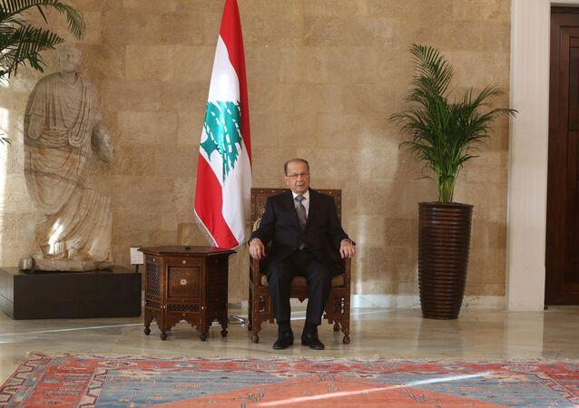 O recém-eleito presidente libanês Michel Aoun no palácio presidencial em Baabda, perto de Beirute, no Líbano