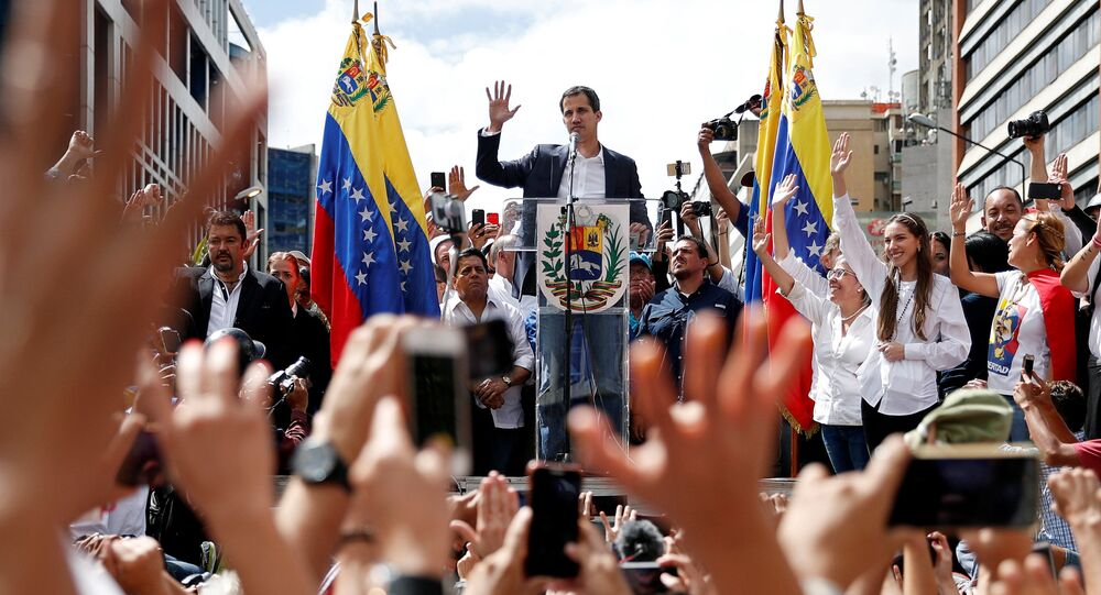 Líder da oposição, Juan Guaidó, durante manifestação em Caracas, Venezuela