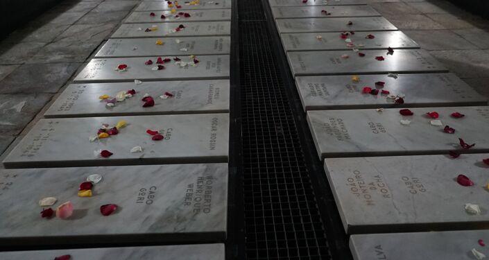 Cerimônia no Monumento Nacional aos Mortos da Segunda Guerra Mundial.