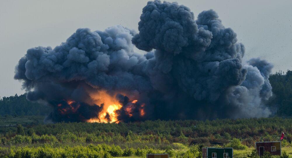Uma explosão durante o show militar do fórum internacional Army 2015