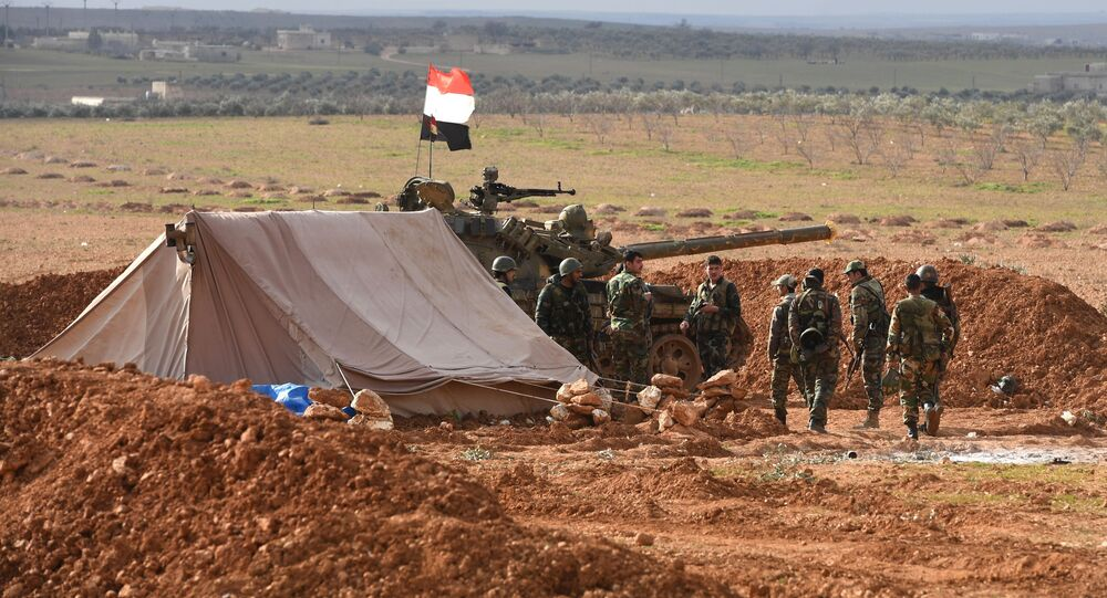 Militares das Forças Armadas da Síria durante exercícios em Aleppo