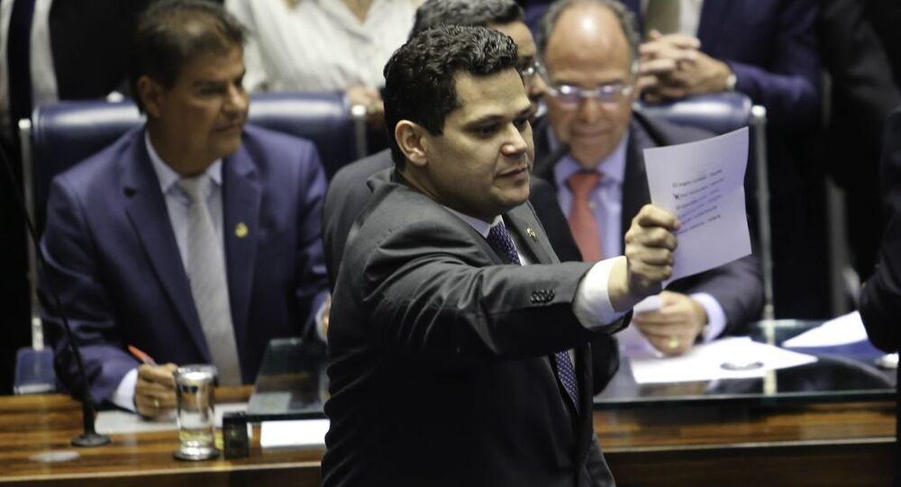 Davi Alcolumbre assume a presidência do Senado