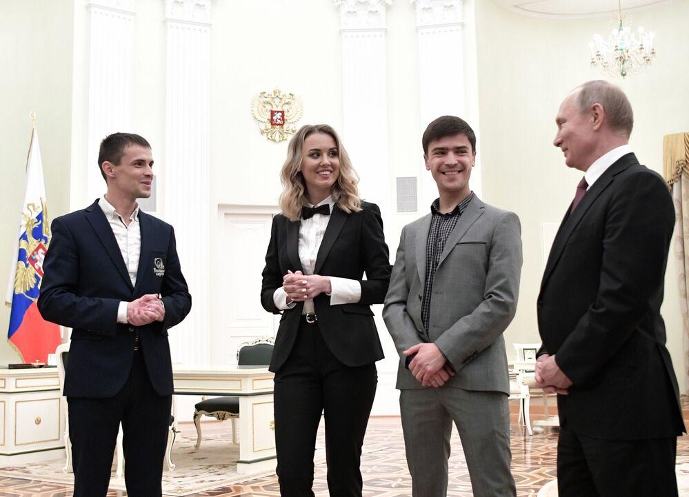Presidente russo Vladimir Putin durante reunião com vencedores do prêmio nacional Pequenas Empresas 2019