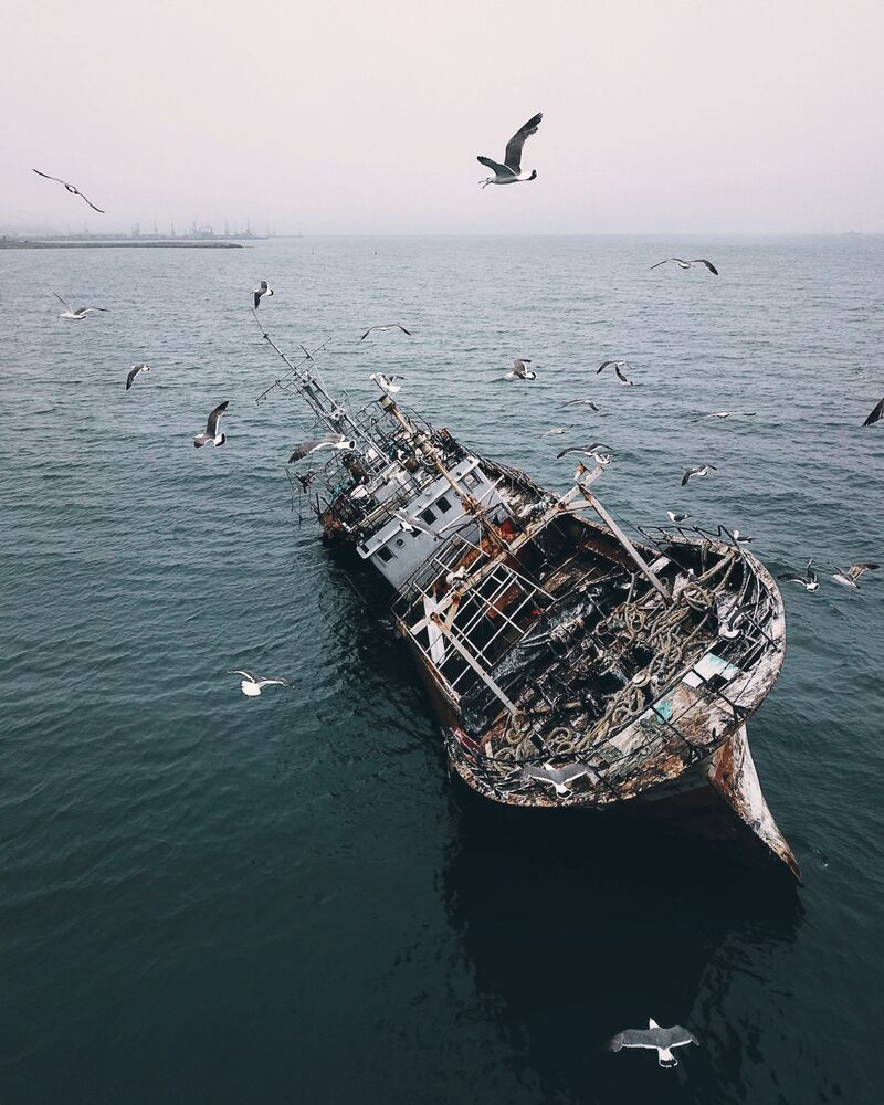 Navio abandonado em Korsakov, Rússia