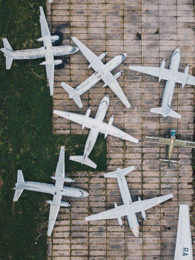 Carcaças de aviões em Ivanovo, Rússia