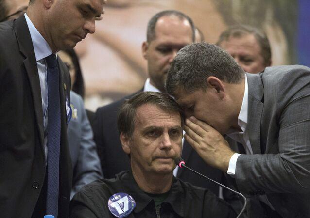 O então presidenciável Jair Bolsonaro e Gustavo Bebianno durante evento da campanha em 2018.