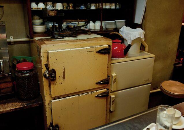 Antigo refrigerador (imagem referencial)