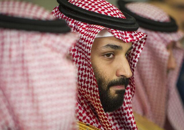 Príncipe herdeiro saudita Mohammed bin Salman em encontro com o então secretário de Defesa dos EUA, Jim Mattis.