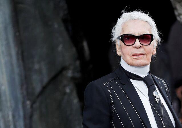 Estilista alemão Karl Lagerfeld