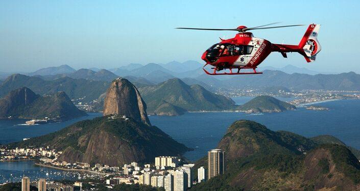 H135 sobrevoa o Rio de Janeiro.