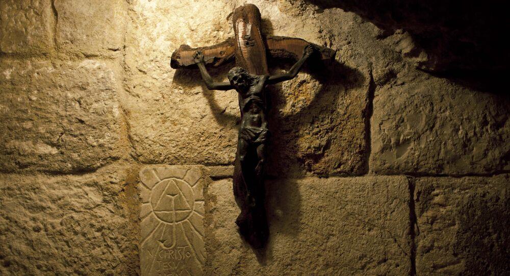 Crucifixo na Caverna de São Jerônimo sob a basílica da Natividade