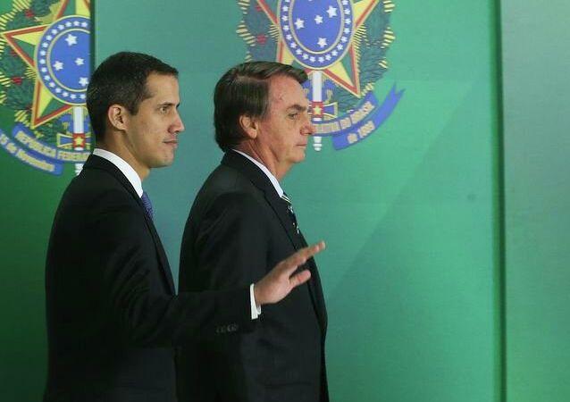 O presidente Jair Bolsonaro durante encontro com o autoproclamado presidente interino da Venezuela, Juan Guaidó, no Palácio do Planalto.