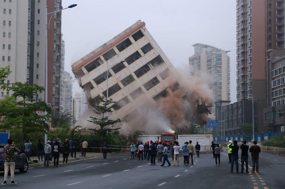 Demolição de um edifício na cidade chinesa de Haikou, em 24 de fevereiro de 2019