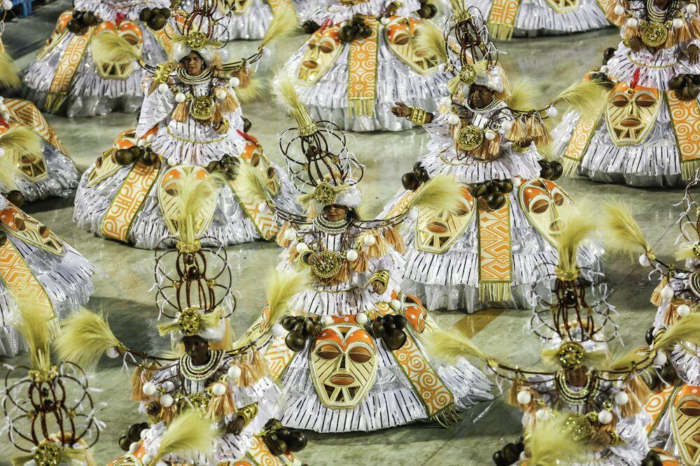 Desfile da Acadêmicos do Cubango.
