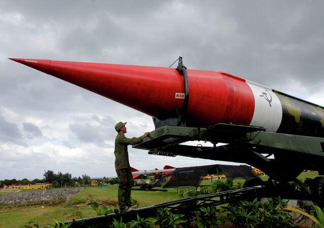 Maquete de um míssil soviético no complexo de Morro Cabana em Cuba