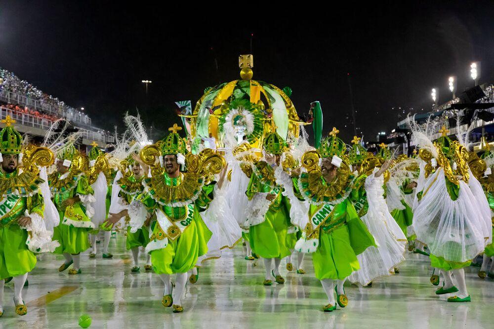 Desfile da Império Serrano.
