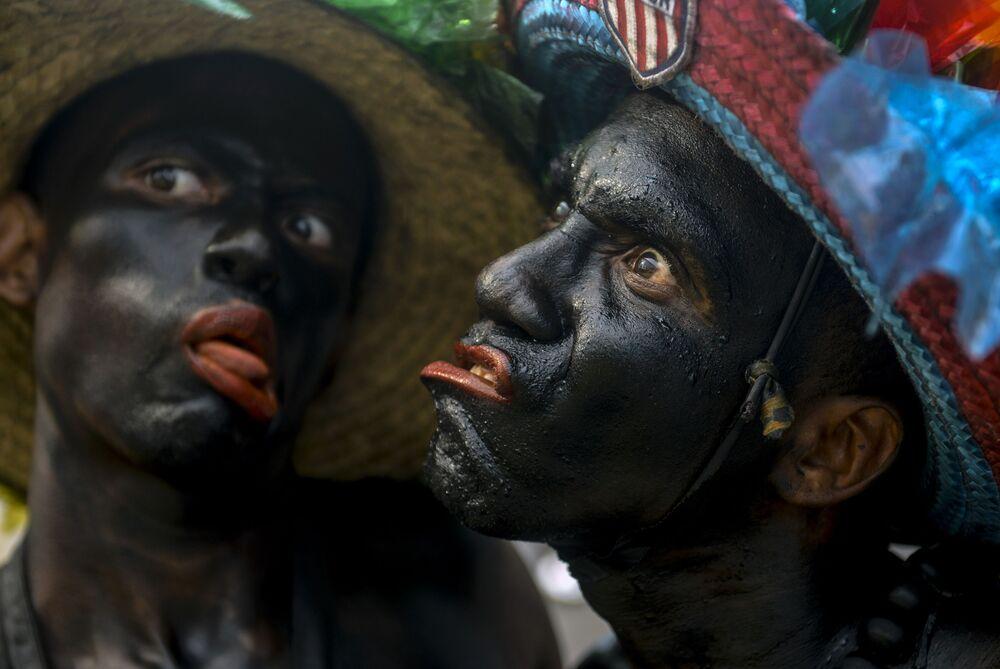 Artistas se apresentam durante carnaval de Barranquilla, na Colômbia, em 4 de março de 2019