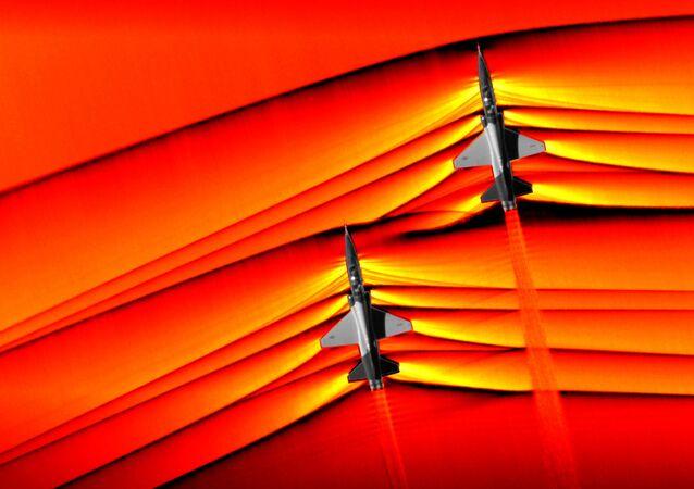 Ondas de choque de aviões supersônicos captadas pela NASA